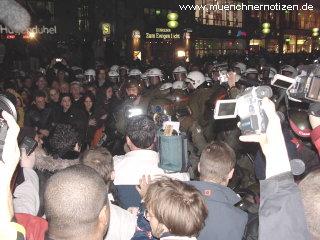 Tumulte bei Festnahmen - Marienplatz