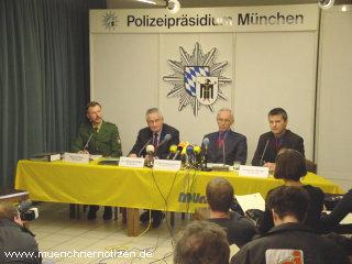 Pressekonferenz - v.l.n.r. W. FELLER, Dr. KOLLER, Dr. BLUME-BEYERLE & W. WENGLER